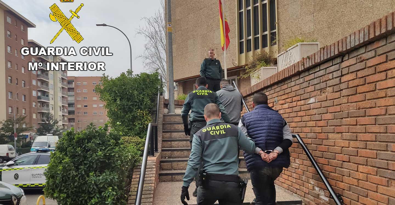 La Guardia Civil de Guadalajara detiene a dos personas en Guadalajara por robo en Torija