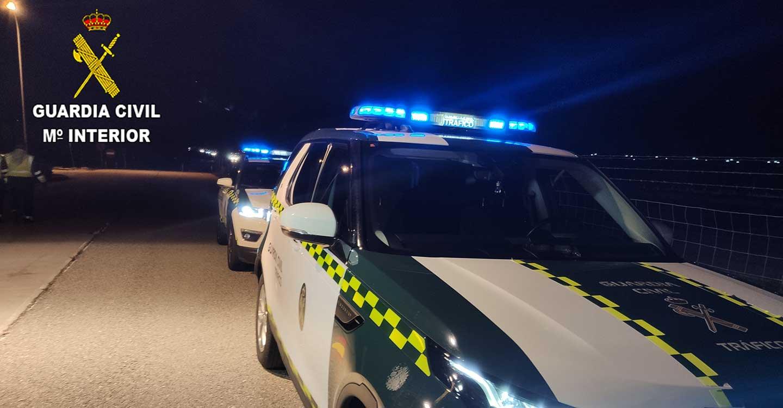 La Guardia Civil investiga dos veces en el mismo día a un conductor con pérdida del permiso de conducir por pérdida total de puntos