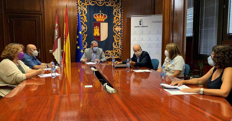 El Gobierno de Castilla-La Mancha subraya la importancia del diálogo social para impulsar la recuperación económica y social en la provincia de Guadalajara