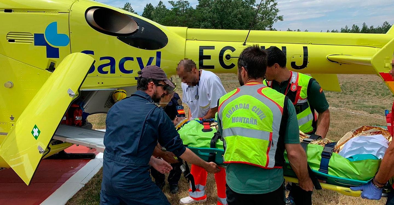 La Guardia Civil salva la vida a un senderista que sufrió un accidente en la Sierra de Ayllón