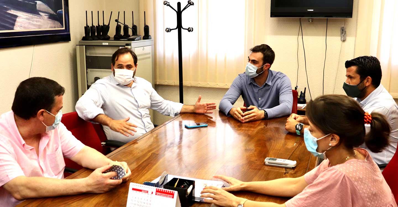 Núñez insta a Page a que se pronuncie en defensa de los alcaldes de Castilla-La Mancha ante el intento de Sánchez de confiscar el dinero de los ayuntamientos