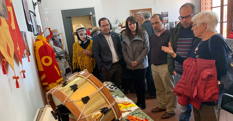 """Bellido resalta la """"diversidad del patrimonio intangible"""" de la provincia de Guadalajara en un encuentro de botargas, vaquillones y mascaritas"""