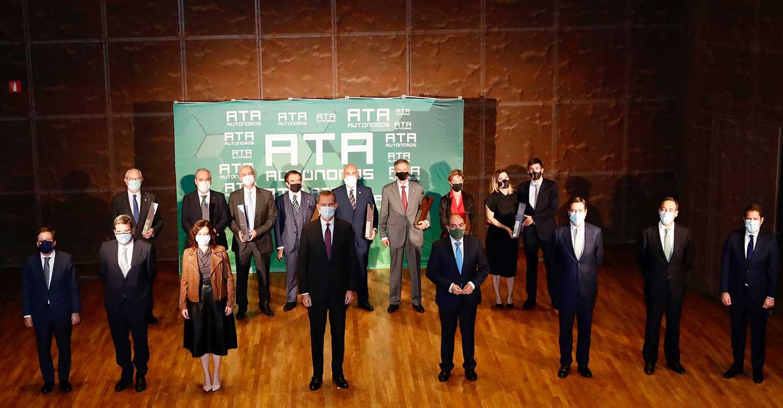 ATA premia a los farmacéuticos como profesionales esenciales en la pandemia para los autónomos