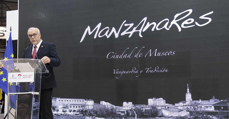 El Ayuntamiento de Manzanares ha subido al escenario a Rafael Alberti, Dámaso Alonso, Jorge Guillén, Federico García-Loca y Gerardo Diego para promocionar el Archivo Museo Ignacio Sánchez Mejías