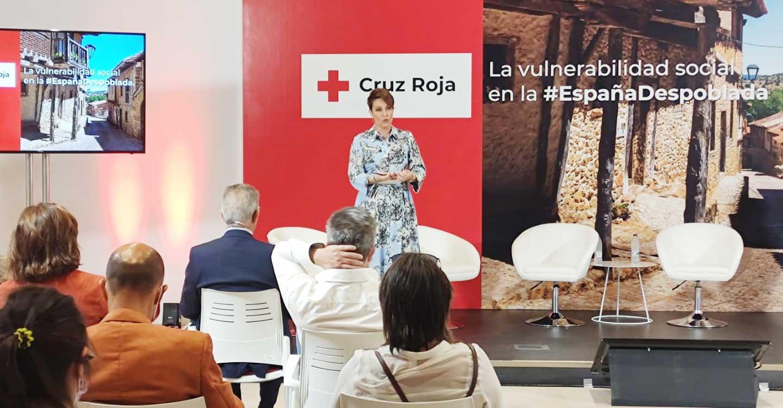 """""""Hay que trasladar a la sociedad las dificultades y barreras de los que viven su día a día en la España despoblada"""""""