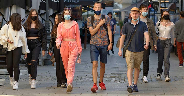 El Gobierno aprueba la flexibilización del uso de la mascarilla en espacios exteriores