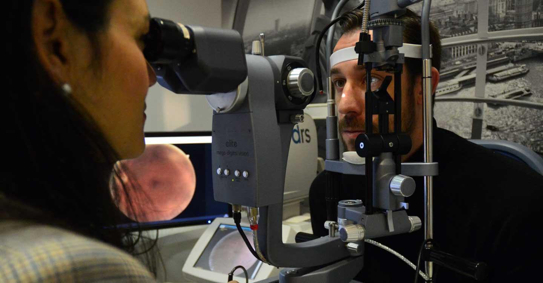 Fotografiar la retina de los pacientes, la solución de ópticos y oftalmólogos para descongestionar los centros sanitarios