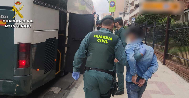 La Guardia Civil detiene a 12 personas pertenecientes a una organización dedicada a la trata de personas con fines de explotación laboral