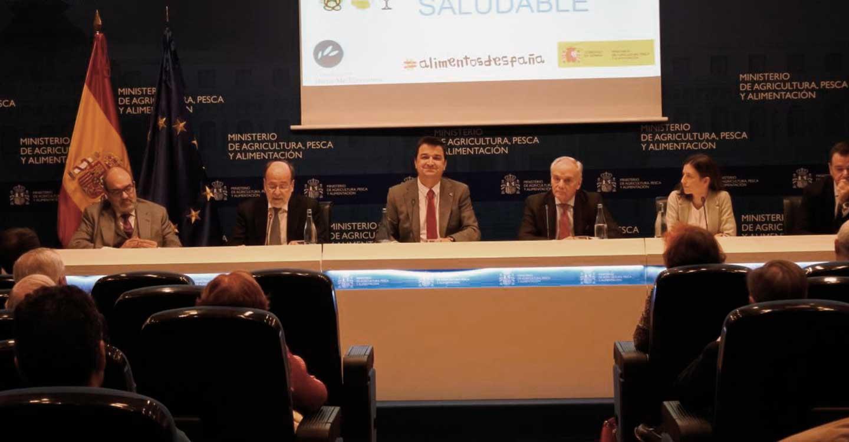 """Martínez Arroyo pide la """"complicidad"""" de restauradores y distribución para llegar al consumidor y no perder los valores de la Dieta Mediterránea"""