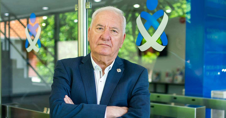"""Pérez Raya: """"La ministra de Sanidad se ha comprometido con el Foro de las Profesiones Sanitarias a acabar con la precariedad laboral y con el déficit de enfermeras"""""""