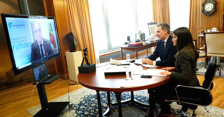 Videoconferencia de Sus Majestades los Reyes con El Consejo General de Farmacéuticos