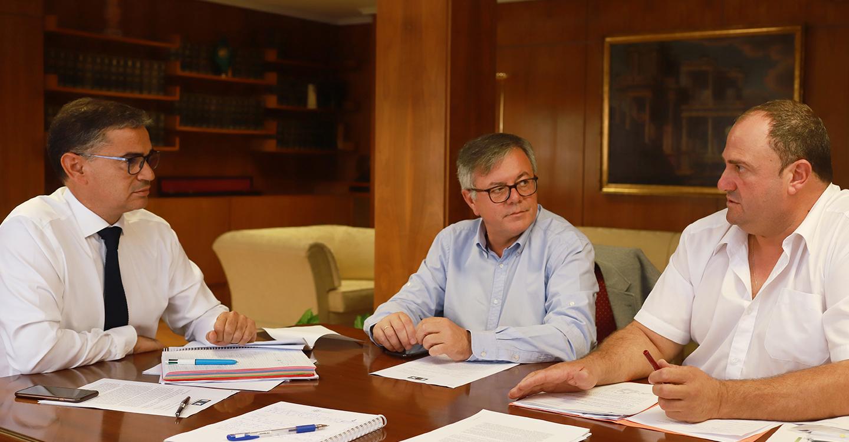 El delegado del Gobierno comparte la preocupación existente en Hellín por las paradas del tren híbrido