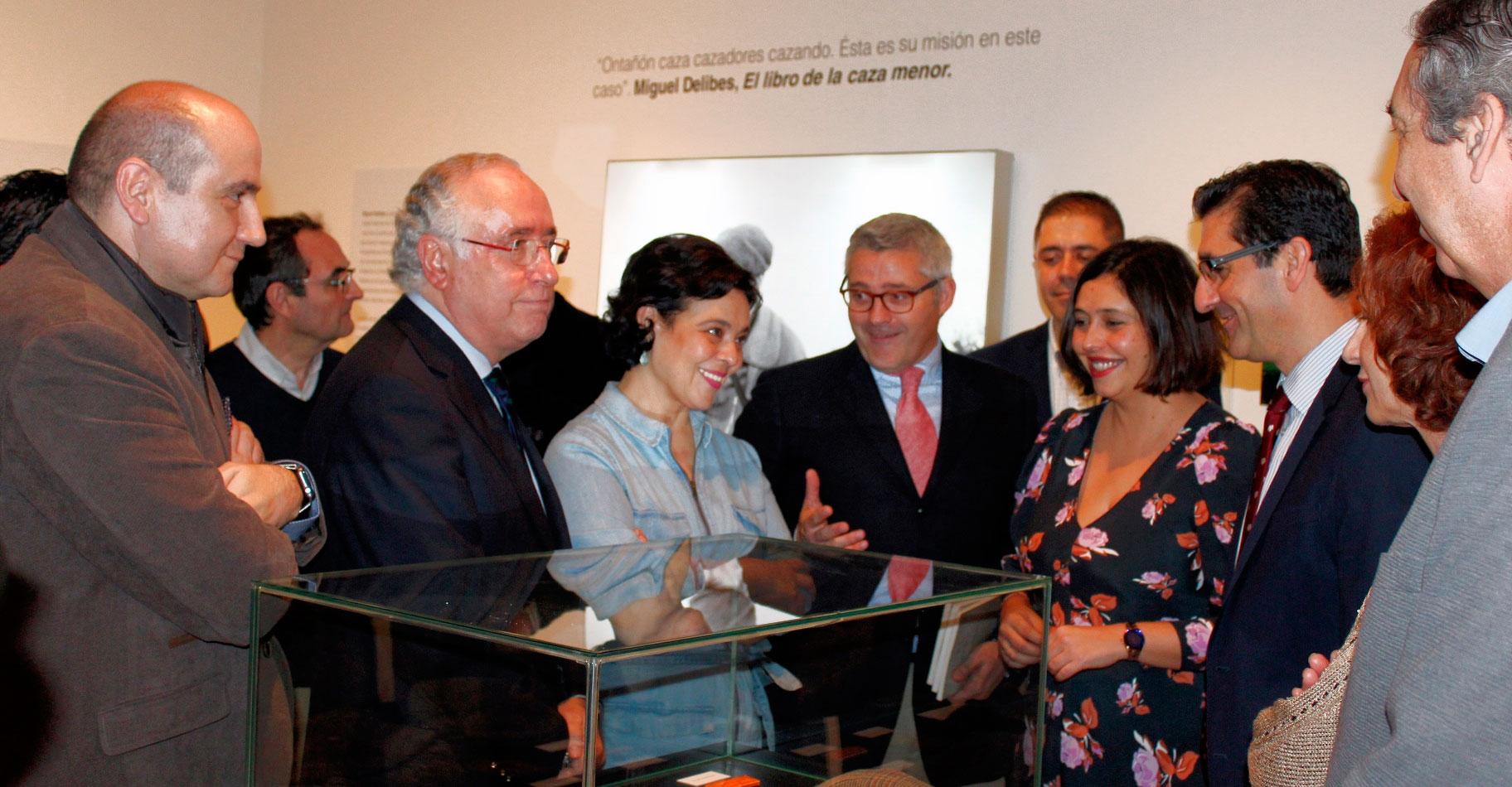 El Gobierno regional destaca que la exposición 'Cazando imágenes' pone al descubierto el valor social y cultural de la actividad cinegética