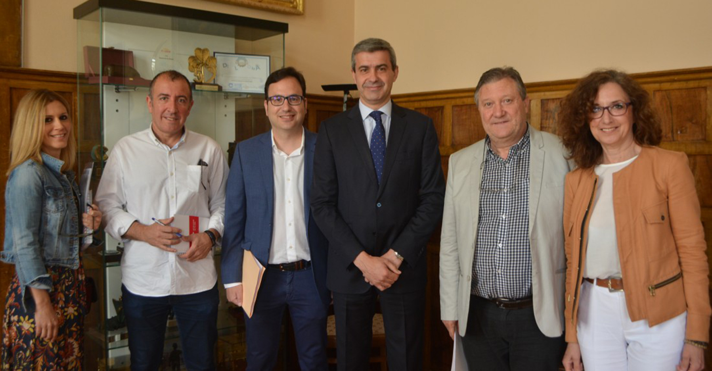 Álvaro Gutiérrez, recibe a la nueva Junta Directiva de la Asociación Regional de Técnicos de Cultura de Castilla-La Mancha