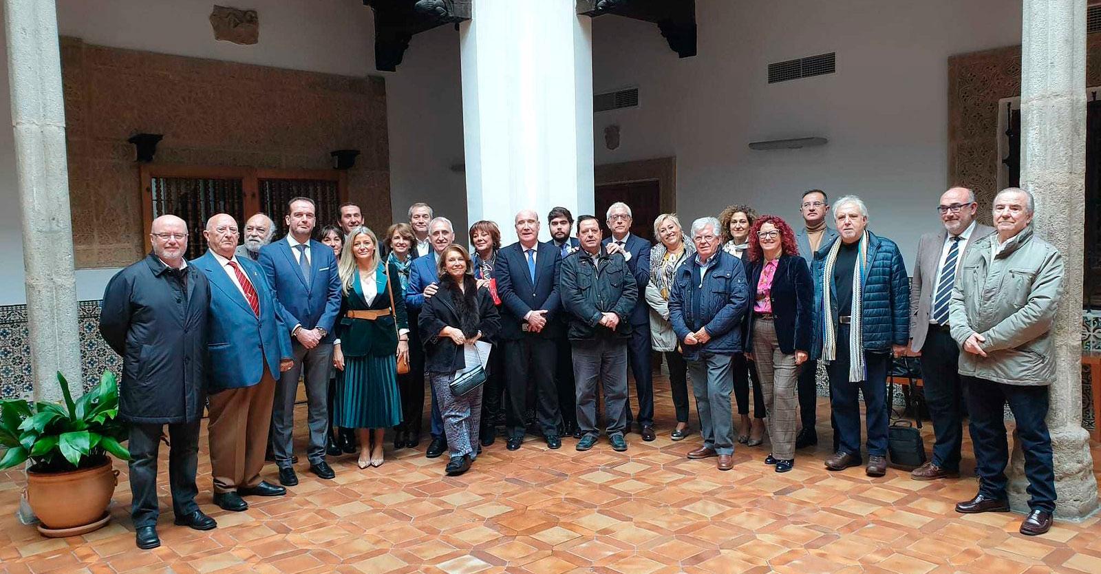 La Academia de Gastronomía de C-LM concede la Medalla de Honor a la JCCM y, en su nombre, al presidente, Emiliano García-Page