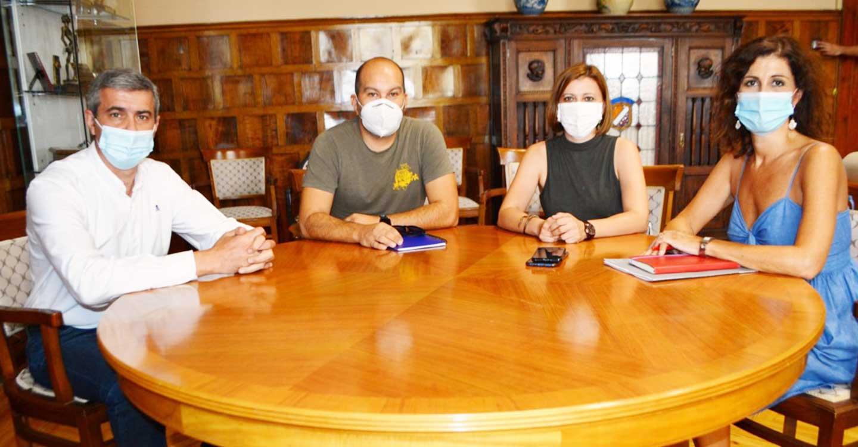 Álvaro Gutiérrez muestra su apoyo a los trabajadores de la Tribuna en la defensa de sus puestos de trabajo