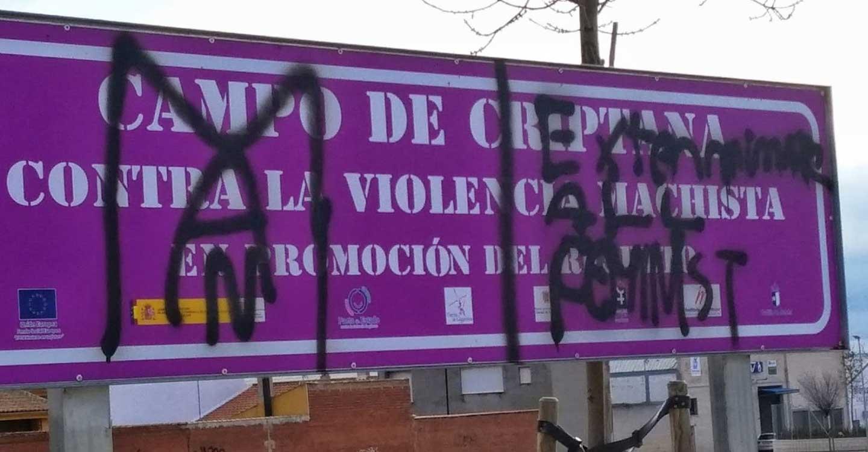 IU C-LM denuncia los actos vandálicos hacia placas y señales contra la violencia de género
