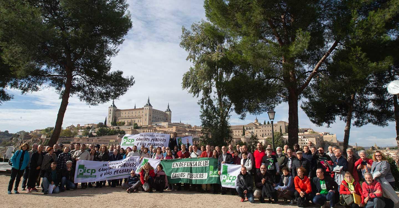 Asociaciones en defensa de los caminos piden al nuevo Gobierno una ley para proteger este patrimonio público