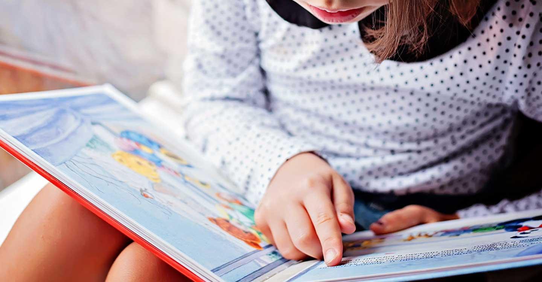 La Biblioteca Pública de Castilla-La Mancha se suma a la celebración internacional del Libro Infantil con un video de dos niñas de Nambroca