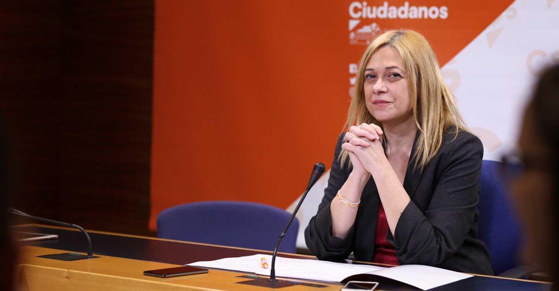 """Carmen Picazo : """"Es discriminatorio e irresponsable dejar fuera del protocolo de vacunación a los profesores universitarios"""""""