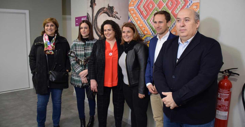 El Centro de Formación de la Cerámica y el Vidrio de Talavera arranca su actividad lectiva con iniciación a la alfarería y competencias clave