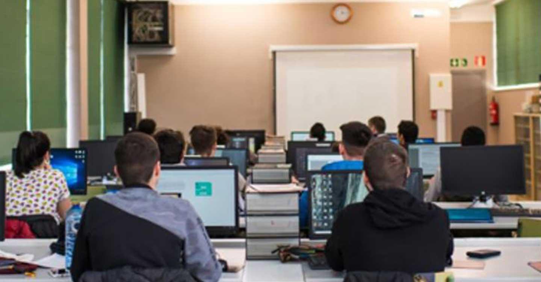 Comienza la entrega de los primeros dispositivos del programa Educa en Digital