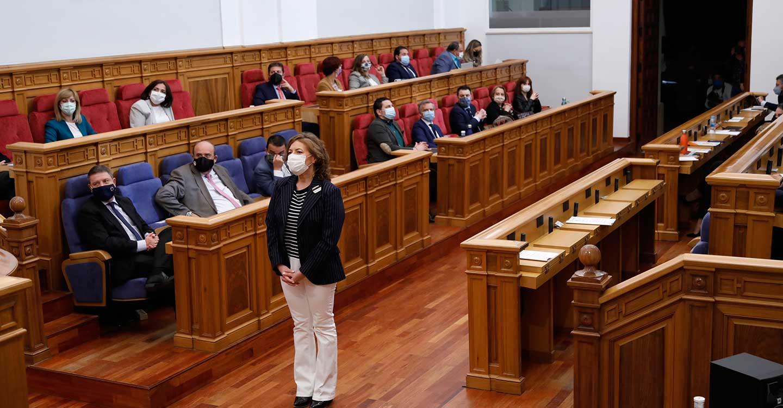 Las Cortes regionales ratifican el nombramiento de Sánchez Navarro como senadora por el PSOE y de Sevilla y Jaime como nuevos diputados de Cs