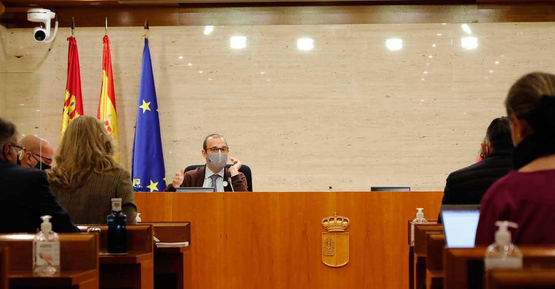Transporte interurbano, sector agroalimentario, deportes y festejos, a debate en Pleno de las Cortes de Castilla-La Mancha