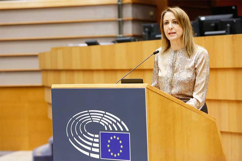 Cristina Maestre insta a la Comisión a dar a conocer las condiciones e información del proceso de adquisición de vacunas