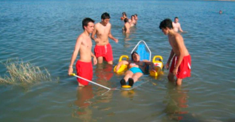 Cruz Roja brinda el servicio de Baño Asistido en las Lagunas de Villafranca