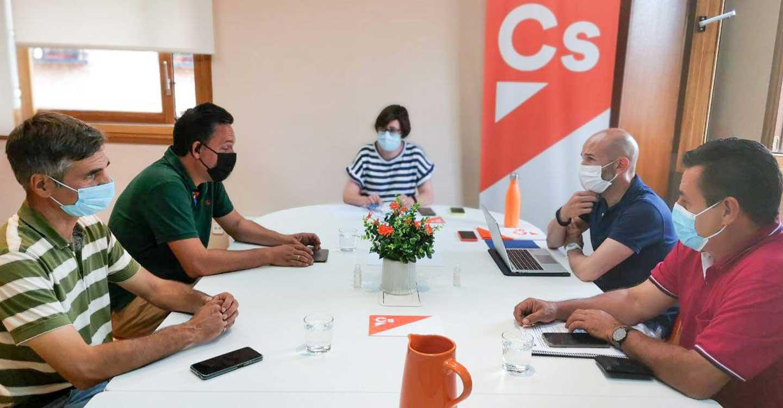 """Ciudadanos mantiene un encuentro de trabajo con Unión de Uniones para atender los """"severos problemas"""" de la agricultura y la ganadería en Castilla-La Mancha"""