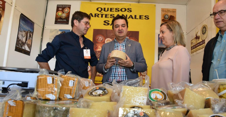 El Gobierno de Castilla-La Mancha destaca la fuerza del sector agroalimentario y su especificidad que hace que sus productos sean únicos