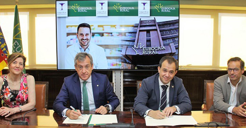 Eurocaja Rural habilita 60 millones de euros a los farmacéuticos toledanos para potenciar su actividad