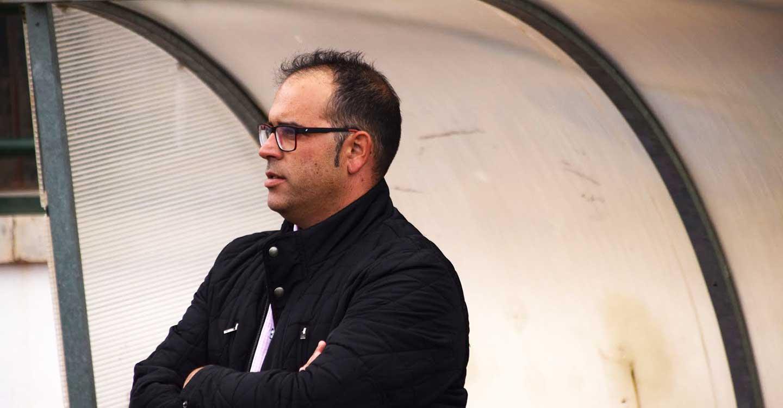 El fadriqueño Fausti Manzanero, renovado como entrenador del CD Villa para la próxima temporada