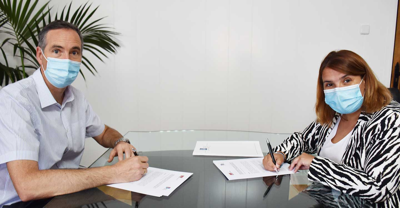 La FEMPCLM y la UCLM firman un convenio de colaboración para la realización de un curso de 'Especialización en gobierno abierto'