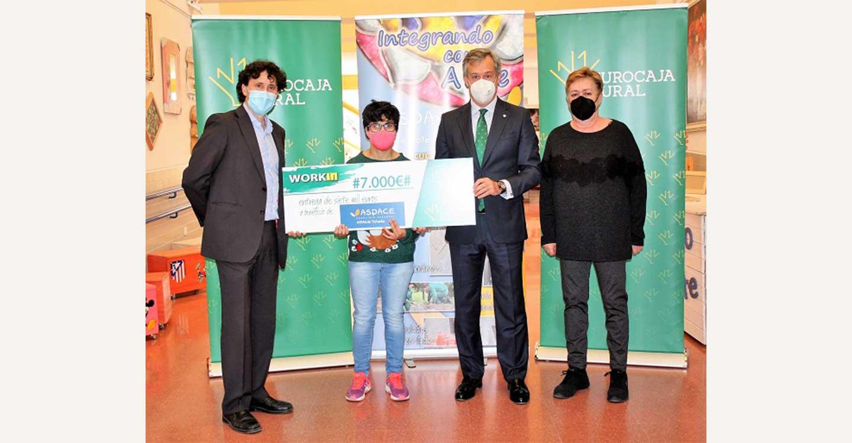 Fundación Eurocaja Rural entrega 7.000 euros a APACE Toledo para favorecer la inserción laboral de personas con parálisis cerebral