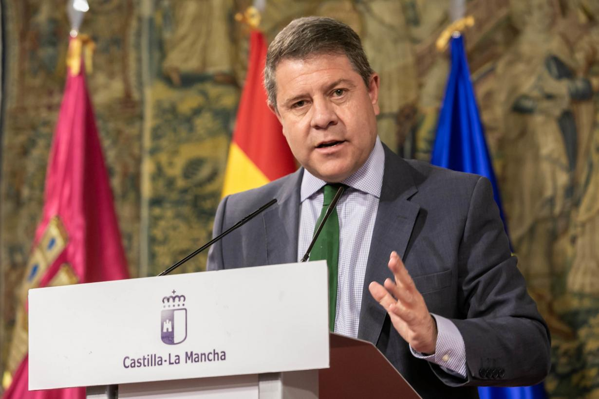 El Gobierno de Castilla-La Mancha se compromete a empezar a vacunar en el mes de junio a las personas comprendidas entre los 49 y 30 años