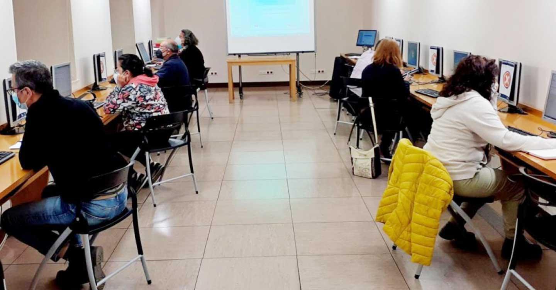 El Gobierno de Castilla-La Mancha forma en competencias digitales a más de 32.600 personas en los últimos cinco años