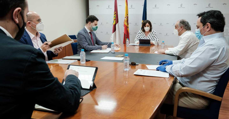 El Gobierno de Castilla-La Mancha apoyará la promoción en la comercialización del sector del calzado regional para impulsar su recuperación tras el COVID-19