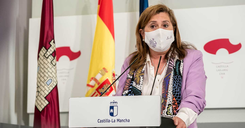 El Gobierno regional repartirá tres millones de mascarillas más para atender las necesidades sanitarias del profesorado y del personal de los centros