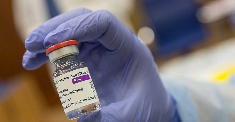 El Gobierno de Castilla-La Mancha retoma la vacunación de profesionales esenciales con AstraZeneca
