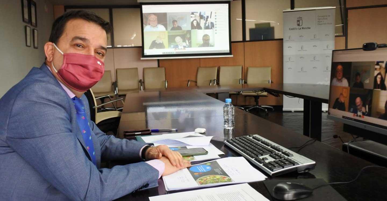 """El Gobierno regional muestra su reconocimiento y puesta en valor de los restauradores como """"embajadores"""" de la Dieta Mediterránea en un año complicado por la pandemia"""