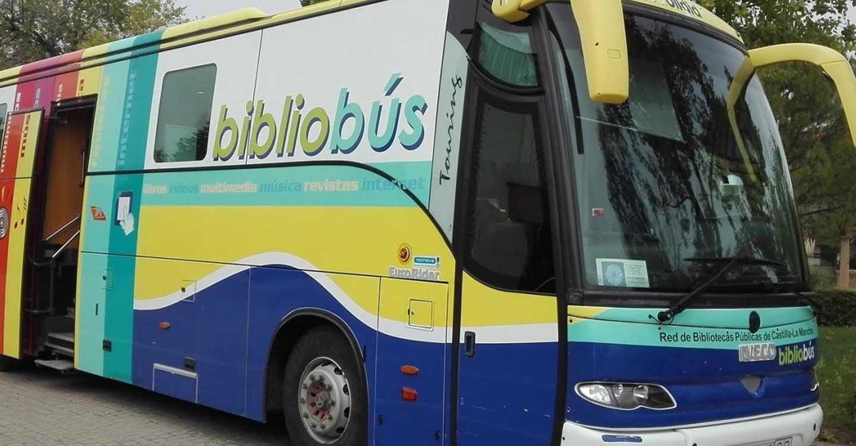 Gobierno regional y Diputación de Albacete renuevan el convenio para que el servicio de bibliobús siga acercando la lectura a las localidades más pequeñas de esta provincia