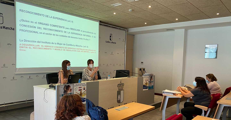 El Gobierno de Castilla-La Mancha da la bienvenida a las trabajadoras que gestionarán el Plan Corresponsables, resaltando la importancia de su trabajo
