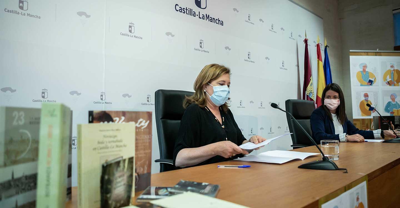 El Gobierno de Castilla-La Mancha pone en marcha el programa 'Estantería dorada' para acercar la lectura y el entretenimiento a las personas mayores