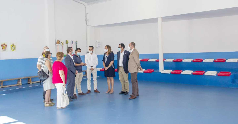 El Gobierno regional comienza el reparto de 4 millones de euros para que los centros educativos puedan afrontar gastos de funcionamiento extras ocasionados por el COVID-19
