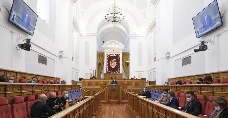 IU denuncia que el Gobierno C-LM va a privatizar los fondos de recuperación económica contra el COVID-19