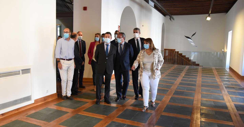 """La Junta aprobará, en septiembre, la """"forma jurídica"""" de los dos centros de innovación e investigación de Talavera de la Reina y Puertollano"""