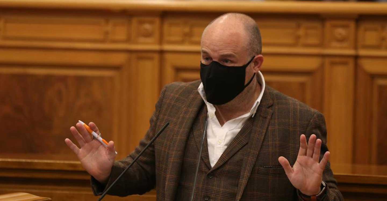 """Ruiz (Cs): """"La Junta se ha lavado las manos y ha dejado a los colegios y a las familias un marrón de tres pares de narices"""""""
