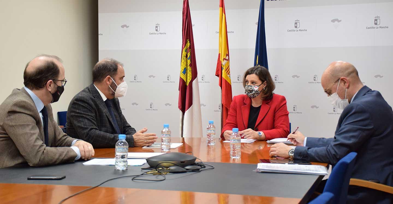 La Junta subraya su compromiso con los proyectos de sostenibilidad y digitalización en el sector industrial